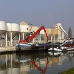 800px-Port_de_Bondy_sur_le_canal_de_l_Ourcq_P1080478